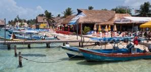 Cancun, Mexico © Alexandre Fagundes De Fagundes | Dreamstime 24251558