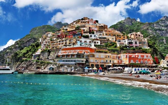 Positano, Italy on the Amalfi Coast © Freesurf69   Dreamstime 26968677