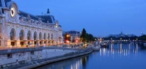 Seine River, Paris, France © Nigel Spiers | Dreamstime 49440183