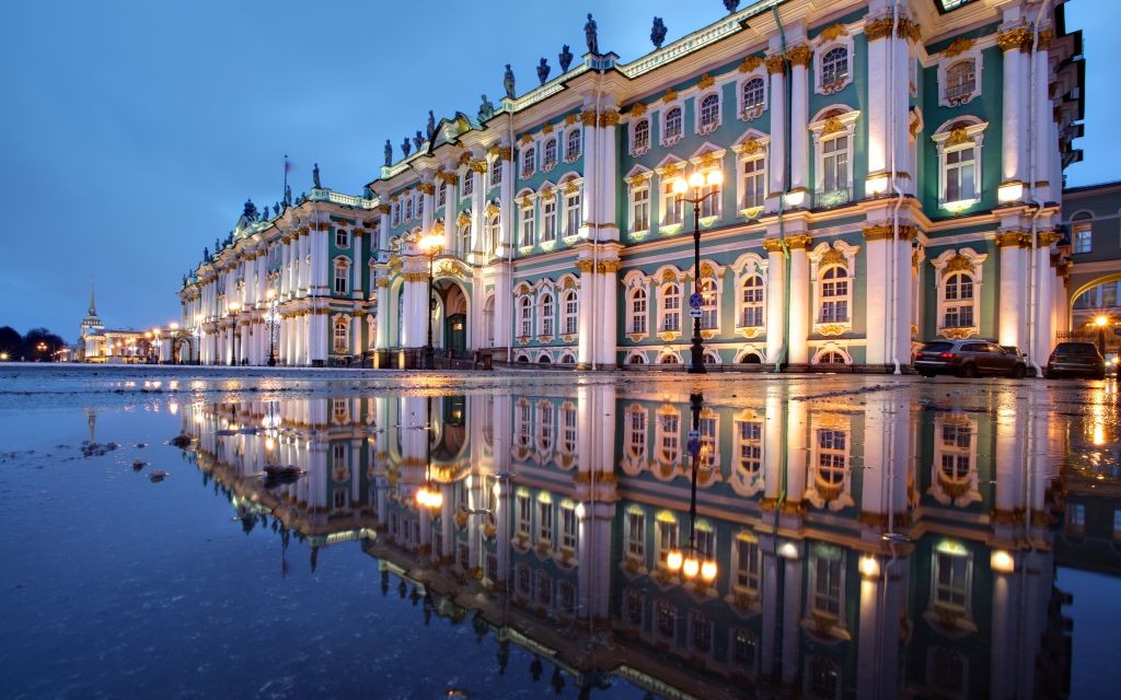 The State Hermitage Museum of St. Petersburg, Russia © Vladimir Grigorev   Dreamstime 48113658