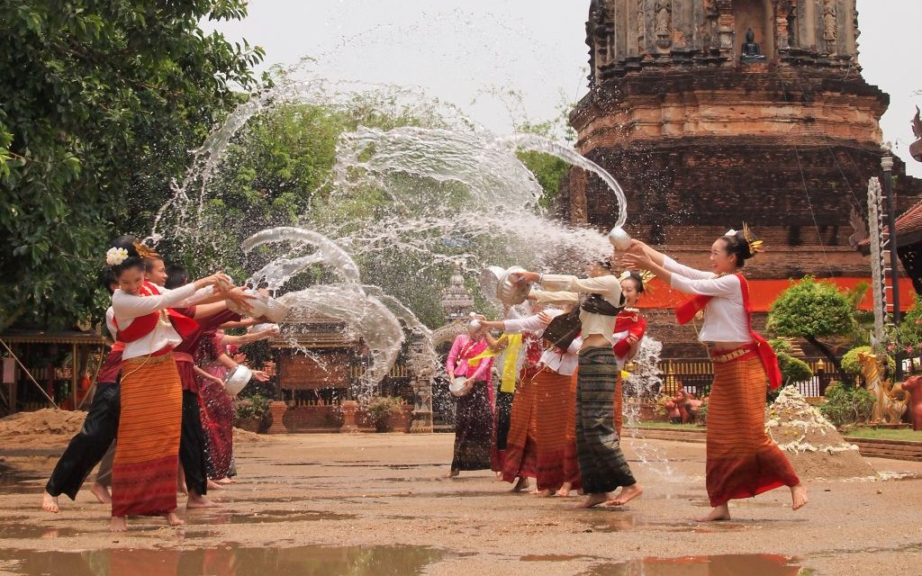 Songkran Water Festival in Chiang Mai, Thailand © Hwannaa | Dreamstime 38787944