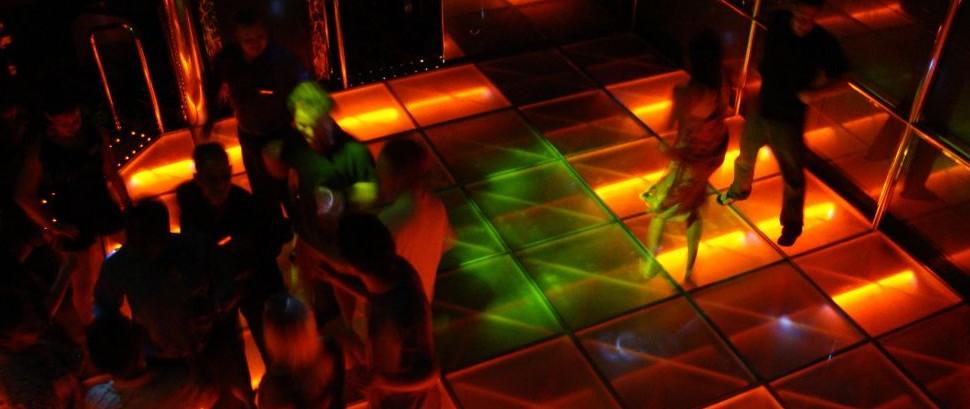 Nightclub © Eric Broder Van Dyke | Dreamstime 12553845