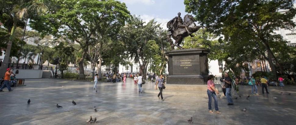 Plaza Bolivar, Caracas, Venezuela © Casadphoto | Dreamstime 42765593