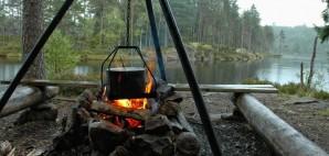 Campfire © Tossi66 | Dreamstime 21147829