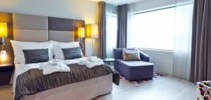 Hotel © Bjørn Hovdal | Dreamstime 27254391