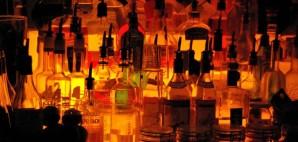 Bar © Matthew Weinel | Dreamstime 5966583