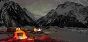 Camping on K2 © Alireza Teimoury | Dreamstime 43467710
