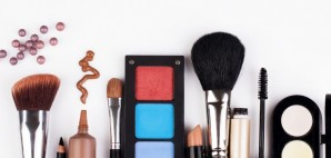 Makeup © Ievgeniia Arkhipova | Dreamstime 28810938