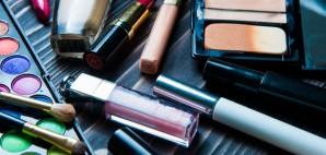 Cosmetics © Kira Garmashova | Dreamstime 71585726