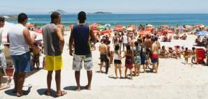 Ipanema Beach, Rio de Janeiro, Brazil © Epstock | Dreamstime 39541740