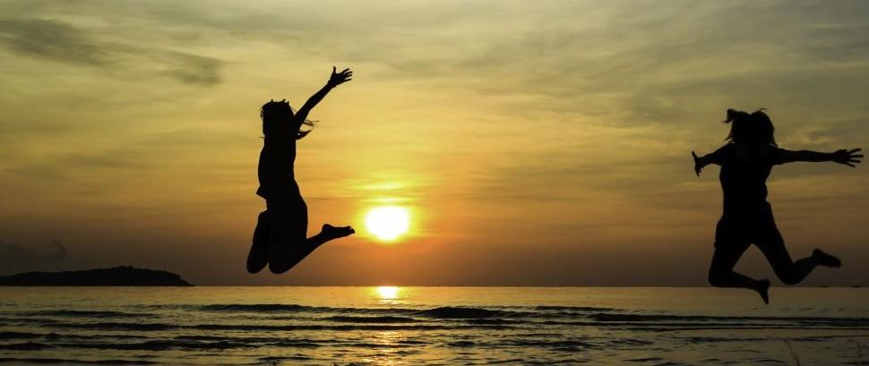 Jumping Beach © Naruemon Bulwan | Dreamstime 61287522