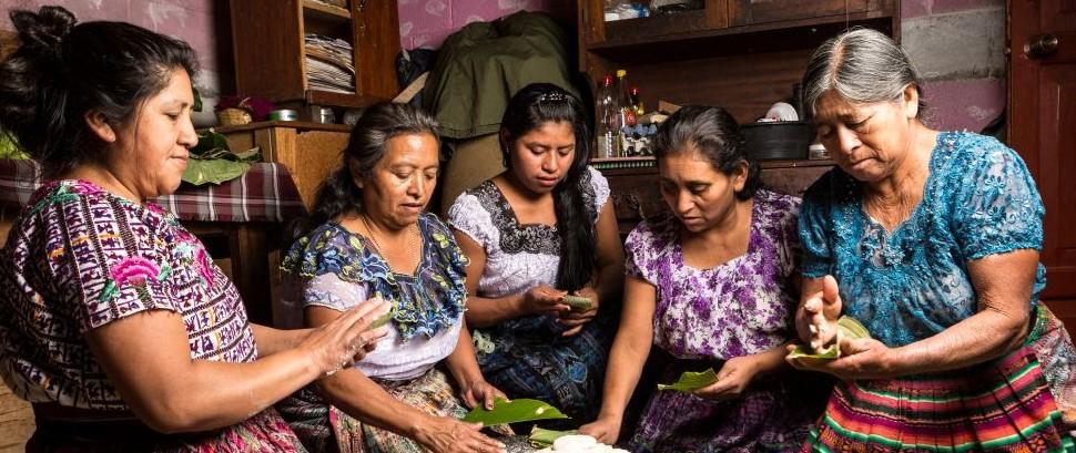 San Pedro La Laguna, Guatemala © Barna Tanko | Dreamstime 52764232.jpg