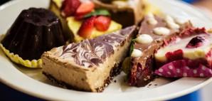 Desserts © Catalina Zaharescu Tiensuu | Dreamstime 61581645