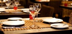 Restaurant © Csaba Vanyi | Dreamstime 10570465