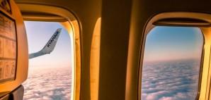 Ryanair © Paweł Opaska | Dreamstime 44504876