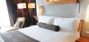 Hotel Bed © Donkeyru | Dreamstime 15166031