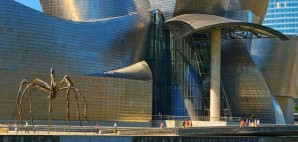 The Guggenheim Museum, Bilbao, Spain © Matthi | Dreamstime 16737883