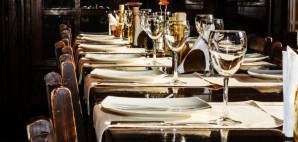 Restaurant © AlexDascalu | Dreamstime 30473200