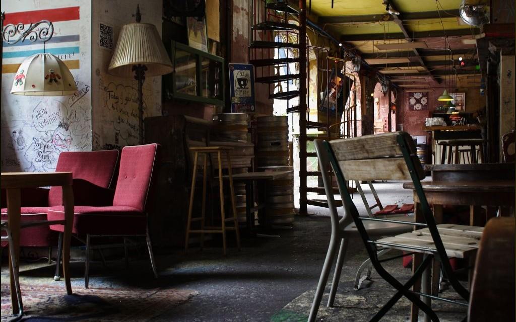 Szimpla Kert Ruin Bar, Budapest, Hungary © Ted & Jen | Flickr