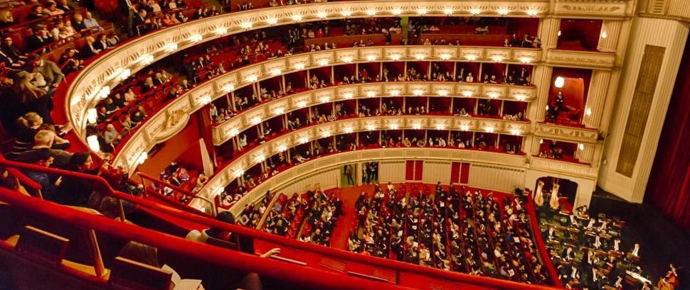 Vienna Opera House, Austria © Castenoid | Dreamstime 48896019