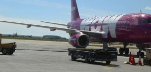WOW Air © Zhukovsky | Dreamstime 74478792
