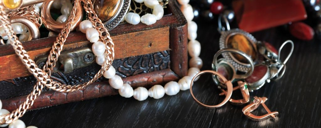 Jewelry Box © Konstantin Kirillov | Dreamstime 42234301