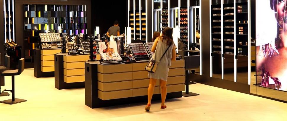 MAC Cosmetics © Pindiyath100 | Dreamstime 34069228