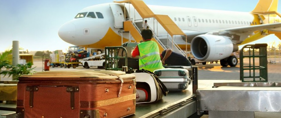 Airport Luggage © Hugo Maes | Dreamstime 2538969