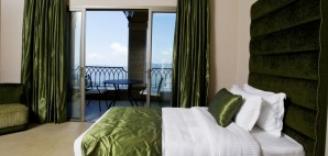 Hotel Room © Ramzi Hachicho   Dreamstime 47482101