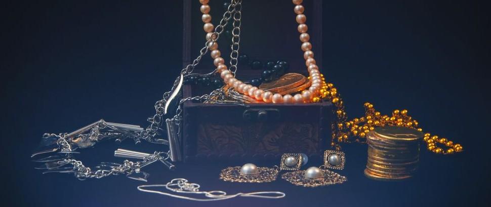 Jewelry Box © Dragi52 | Dreamstime 45302640