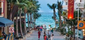 Playa del Carmen, Yucatan, Mexico © Alexandre Fagundes De Fagundes | Dreamstime 25314924