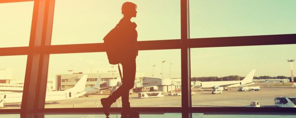Traveler © Bakharev | Dreamstime 77318094