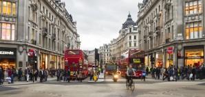 Oxford Street, London, England © Elenaburn | Dreamstime 31405646