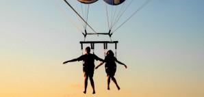 Parachute Couple © Evbuh15 | Dreamstime75880558