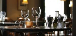 Restaurant © Jon Helgason | Dreamstime 2364435