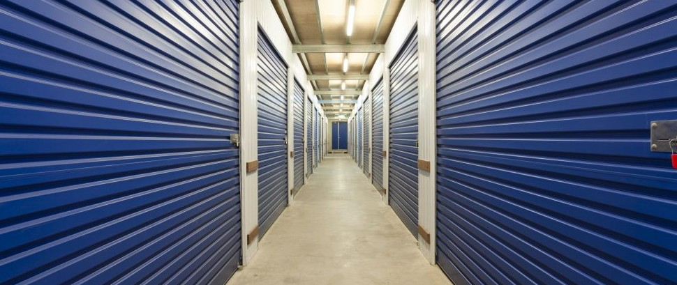 Storage Unit Warehouse © Zstockphotos | Dreamstime 49769736