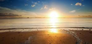 Sun Beach © Sergeychernov | Dreamstime 34358195