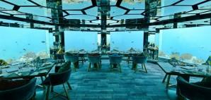 Underwater Restaurant © Singlekayak | Dreamstime 42810769