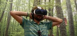 Virtual Reality © Enriquecalvoal | Dreamstime 83780111