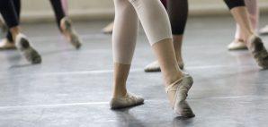 Ballet Class © Goodlux | Dreamstime 3613075