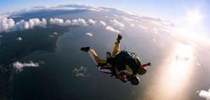 Skydiving © Speedfighter17 | Dreamstime 6349657