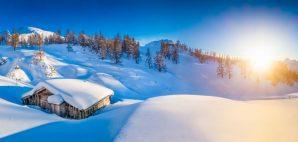 Winter Cabin © Minnystock | Dreamstime 51403503