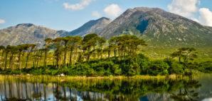 Connemara in Galway, Ireland © Altezza | Dreamstime 27097931