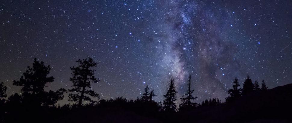 Milky Way Over Yosemite National Park, Wyoming © Jvezzani | Dreamstime 67984935