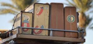 Vintage Luggage © Phartisan | Dreamstime 7126625