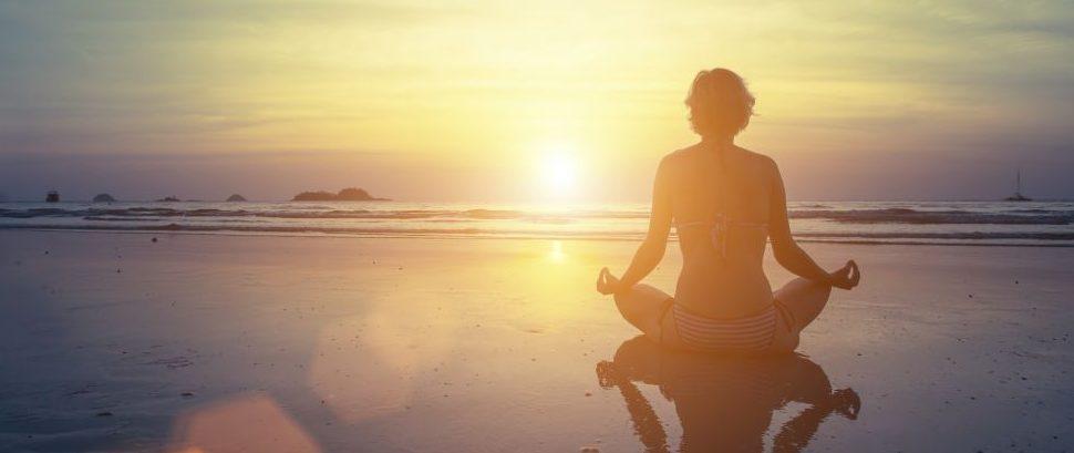 Yoga Beach © Dimaberkut | Dreamstime 59901908