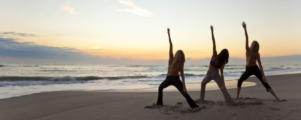 Beach Yoga © Darren Baker | Dreamstime 17992423