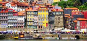 Porto, Portugal © Xantana | Dreamstime 61358285