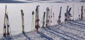 Skis © Xdrew | Dreamstime 4096380