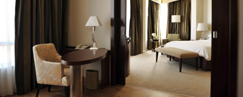 Hotel Room © Aleksandar Andjic | Dreamstime 13015141